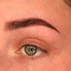 Professional Brow Artist